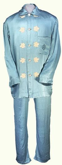 President Warren G. Harding wore these elegant silk pajamas made by Chavert & Fils, Inc., of New York and Paris. His monogram is embroidered on the pocket. Historical Costume, Historical Clothing, Presidents Week, Silk Pajamas, Pyjamas, Warren G, Cute Pjs, Disco Fashion, Elegant Man