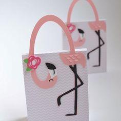 Lembrancinha fofa para Festa Flamingo. Por @scrapisa #encontrandoideias #blogencontrandoideias #blogdefestainfantil #festaflamingo