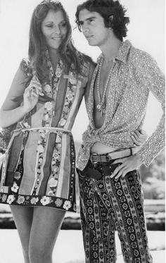 See Vintage Slim Aarons Photos of Lilly Pulitzer and Her Preppy Muses 70s Fashion, Fashion History, Vintage Fashion, Fashion Images, Fashion Shoot, Victorian Fashion, Slim Aarons, Moda Vintage, Vintage Mode