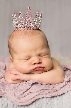 Adorable! Love this pink crown for a baby picture. The Swarovski crystals are so sparkly.