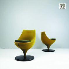 A pair of Polaris chairs designed in the 1950's by Belgian designer Pierre Guariche for Meurop. For sale at www.19west.de. #19West #vintage #chairs #belgiandesign #pierreguariche #möbel #designklassiker #mcm #midcentury #modern #fifties #sixties #seventies #furniture #home