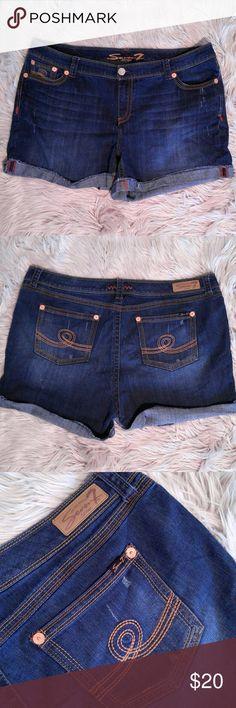 Seven7 roll cuff shorts Seven7 roll cuff shorts Size 24 EUC Seven7 Shorts