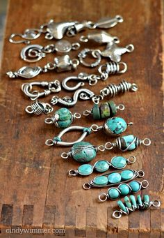 Turquoise and wire links by Cindy Wimmer. I like this idea for using maybe leftover beads and wire to create a more organic necklace. Jewelry Clasps, Wire Wrapped Jewelry, Metal Jewelry, Jewelry Art, Beaded Jewelry, Jewelry Design, Jewlery, Jewelry Findings, Designer Jewelry