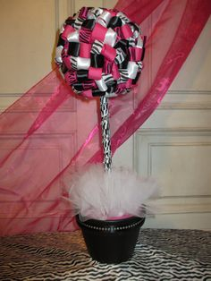 SaleSaleSale 20 OFF Hot Pink & Zebra by somethingdifferentsd, $40.00......pretty sure i could make this!!!!