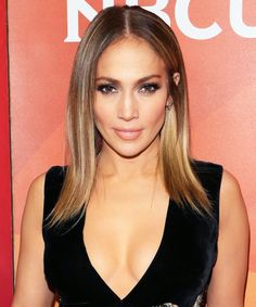 Jennifer Lopez Hair Color with Oway Hbleach Babylights + Toner: 6.35 BST Tobacco Dark Blonde with 9vol #Oway #Hcolor #JenniferLopez