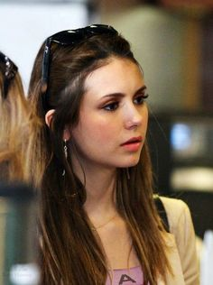 Nina Dobrev- nose piercing