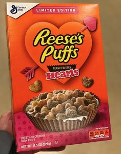 Heart-Shaped Reese's Puffs Are on Shelves For Valentine's Day, So Pour Yourself a Bowl of Love New Cereal, Crunch Cereal, Trix Cereal, Chocolate Flavors, Chocolate Recipes, Reese's Puffs, Puffs Cereal, Food Branding, Popsugar Food