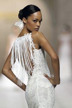 CARELI dress. Atelier Pronovias 2015 Wedding 2015, Wedding Album, Wedding Gowns, Dream Wedding, Wedding Day, Valentino, Album Photos, Cold Feet, Lauren