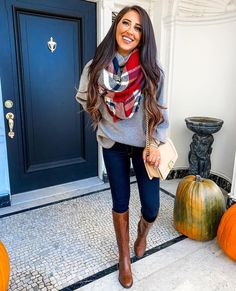 outfit invierno plus size Riding Boot Outfits, Winter Boots Outfits, Riding Boots, Brown Boots Outfit Winter, Tall Boots Outfit, Cowgirl Boots, Western Boots, Outfits Inspiration, Mode Inspiration
