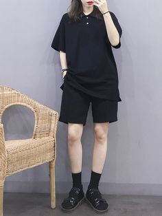 Korean Clothes A Booming Market Korean Girl Fashion, Ulzzang Fashion, Korean Street Fashion, Tomboy Fashion, Teen Fashion Outfits, Mode Outfits, Streetwear Fashion, Boyish Outfits, Grunge Outfits