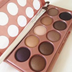 For deep, shimmering eyes, the NYX Cosmetics Dream Catcher Palette in 'Dusk Til Dawn' is a must-have! cc: @luvxosharon