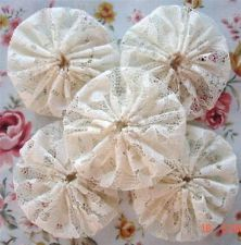 Lace yoyo quilt...this would be gorgeous...I would LOVE for someone to make me one for my bed! lol