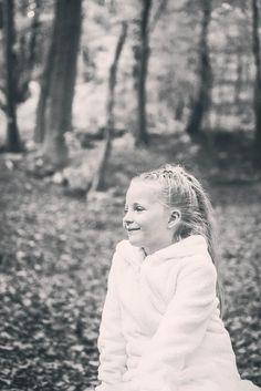 #photographie #afterday #forêt #famille #noiretblanc #vintage #manon #debeurme #photographe #enfant #nature