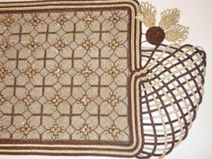 ru / Фото - - kento (With images) Beaded Embroidery, Embroidery Designs, Point Lace, Needlepoint, Needlework, Cross Stitch, Beads, Squares, Imagination