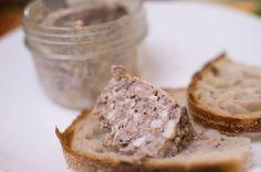 Pâté de campagne en bocal / Réalisez votre propre pâté de campagne maison et conservez-en bocaux. La recette est détaillée étape par étape, vous verrez c'est très simple !