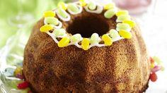 Pätkiskakku sopii mainiosti kahvipöydän tarjottavaksi. Pätkis-suklaapatukoista mehevä kakku saa ihanan minttuisen ja suklaisen maun.