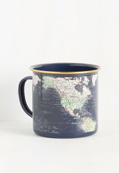 You don't need a map to find your morning coffee, but adding this navy mug to your collection may help you discover the perfect roast. Source by shopswell indie Vintage Kitchen, Retro Vintage, Cute Mugs, Pretty Mugs, Great Coffee, Retro Home Decor, Mug Cup, Home Decor Accessories, Kitchen Accessories