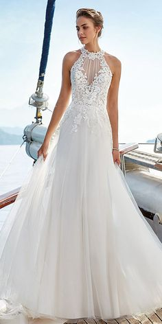 Chic Tulle Jewel Neckline Natural Waistline A-line Wedding Dress With Lace Appliques & Beadings