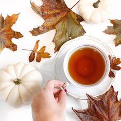 """69 kedvelés, 1 hozzászólás – Brigitte (@brigitte.blog) Instagram-hozzászólása: """". A tegnapi erdei séta során gyűjtött tarka falevelek igazi színt csempésztek a mai borongós…"""" Coffee Maker, Kitchen Appliances, Blog, Instagram, Design, Coffee Maker Machine, Diy Kitchen Appliances, Coffee Percolator, Home Appliances"""