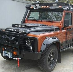 Land Rover Defender - Badass