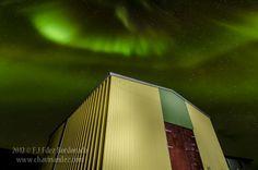 <p>A veces imperceptible por el ojo, las auroras boreales en el caso de Islandia, nos dejan sorprendidos por su belleza. Sin duda un espectáculo lleno de magia que nos acerca aún más a esas luces del norte que acompañan en contadas ocasiones del cielo estrellado a quien va a la …</p>