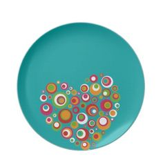Retro Valentine Dinner Plates - cute glass fusing idea too! Pottery Painting Designs, Pottery Designs, Pottery Ideas, Fused Glass Plates, Fused Glass Art, Hand Painted Pottery, Ceramic Pottery, Pottery Kiln, Bisque Pottery