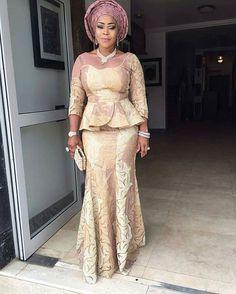 latest african fashion look 949 Nigerian Lace Styles, African Lace Styles, African Lace Dresses, Latest African Fashion Dresses, African Dresses For Women, African Print Fashion, African Attire, Nigerian Dress, Ankara Styles