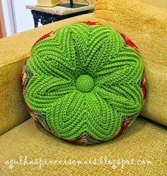 Tutorial para realizar almohadón circular con botón tejido con ganchillo crochet punto zig zag