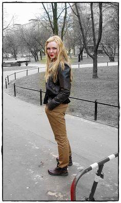jacket - New Look (vintage) * shirt - Mango *  chinos - Mango   * shoes - Lasocki * necklace - House *  Make-up - eyes - Astor, lips - N.Y.C. Retro Red    http://mother-of-style.blogspot.com/2013/04/goodbye-winter.html
