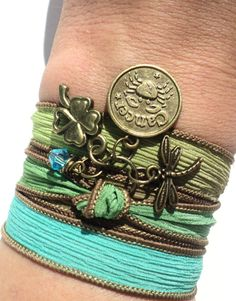 Hey, I found this really awesome Etsy listing at https://www.etsy.com/es/listing/112321547/pick-your-sign-zodiac-silk-wrap-bracelet