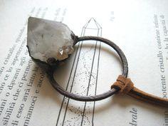 Ciondolo di quarzo spirito in rame ossidato - collana con cristallo di quarzo cactus bianco elettroformato - gioielli con pietre grezze di Loonharija su Etsy