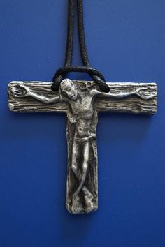 TAU CROSS Powerful Crucifixion of Jesus Christ Christianity.   Material : solid pewter metal Size : H 2 x 2 1/4 inch All Rights Reserved By MODERNART999 Art Canada