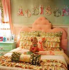 Girl's bedroom idea for an older girl... I like the name on the wall too ;)
