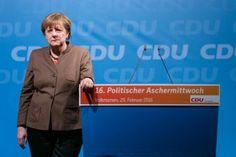 Fotograf Kassel   Kanzlerin Angela Merkel   Politischer Aschermittwoch CDU Volkmarsen   Karsten Socher Fotografie http://blog.ks-fotografie.net/pressefotografie/angela-merkel-volker-bouffier-kwhe16-volkmarsen/
