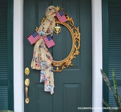 Wondering what to do with your left over yardage? Try using a picture frame to create a wreath for your door, crafts, doors, repurposing upcycling, wreaths