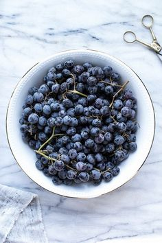Comment below if you LOVE blueberries! Like lol you see this^