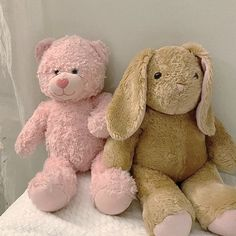 Love Cafe, Dibujos Cute, Pretty Bedroom, Photo Dump, Teenage Dream, Pick And Mix, Pink Brown, Cupid, Plushies