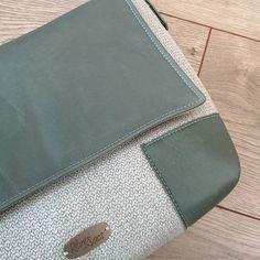 Rêves de Sacs sur Instagram: Alex (modèle Sacôtin pp) cuir et velours. À découvrir bientôt 😉😊 ! #handmadebag #revesdesacs #sacamain #cuir #faitmain #sacotin #cuirtex…