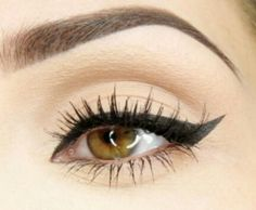 The 1 minute winged liner
