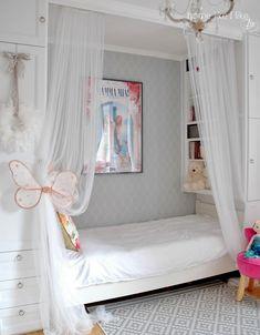ikea hacker - pokój dziewczynki - homelikeilike.com Dream Bedroom, Girls Bedroom, Ikea Hacks, Small Room Design, Cute Room Decor, Little Girl Rooms, Kids Furniture, Kids And Parenting, Room Inspiration