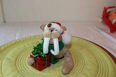 2010 Annalee Christmas Walrus with present and hat #Annalee #Dolls
