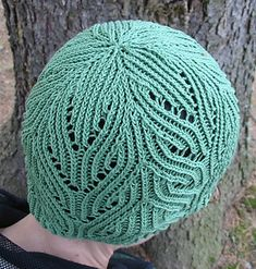 Gauge for DROPS Paris (light green hat): 15 sts & 20 rows in stockinette = 10 cm.