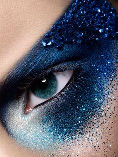 Court of Night elementals makeup? (photo by baard lunde)