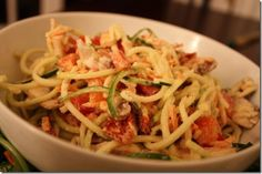 Zucchini Alfredo -- GREAT blog for transitioning to a more raw food diet