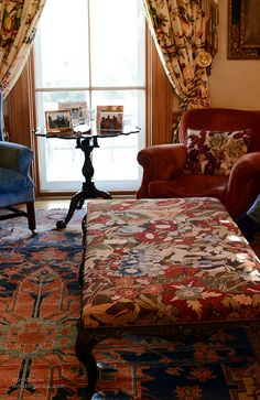 Newport / David Fuller Photo (by TheFullerView)←I want that carpet, is pretty.and that blue chair.and the read one too Diy Home Decor, Room Decor, English Interior, English Country Decor, Cottage Interiors, Contemporary Home Decor, Newport, Beautiful Interiors, Decor Styles