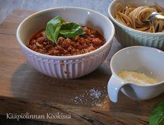 Kääpiölinnan köökissä: Pasta Bolognese Quorn-rouheesta Quorn, Bolognese, Chili, Veggies, Soup, Pasta, Vegetable Recipes, Chile, Vegetables