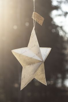 Kohotähti / 3-dimensional paper star Paper Stars, Table Lamp, School, Christmas, Home Decor, Products, Xmas, Table Lamps, Decoration Home