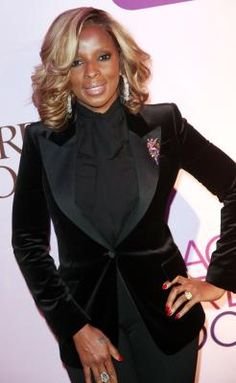 Blond Highlights in African-American Hair