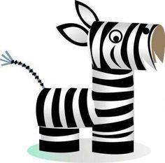 Cebra con rollos de papel higiénico
