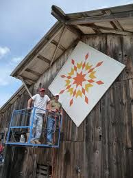Quilt Trails (quilt blocks painted on barns) THISsummer MY barn is getting one of these!!!